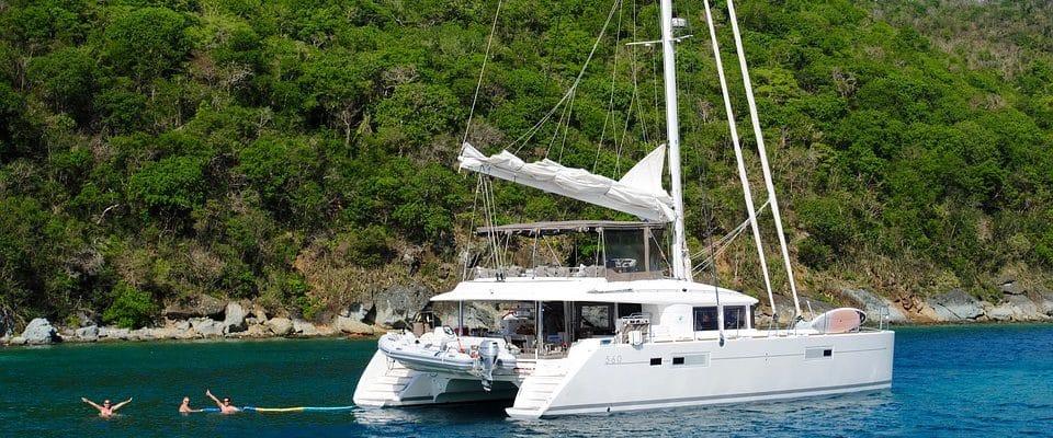 catamaran aux antilles